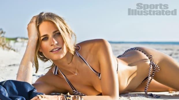 julie-hendersone295b0e29886e295aesi-swimsuit-2012-37.jpg