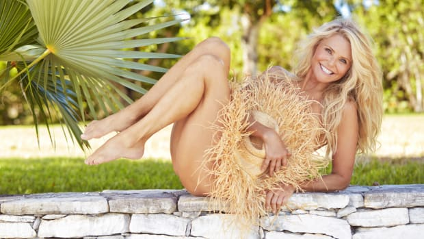 Christie Brinkley Hero Image