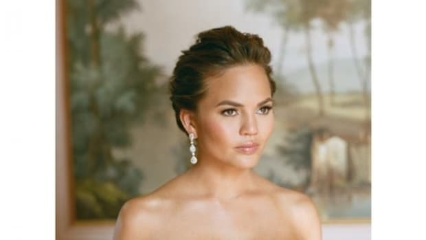 chrissy-teigen-wedding-dress-photos1-e1403012617456.jpg