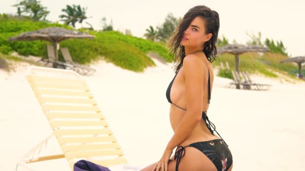 Robin Holzken Is Stunning In This Exclusive SI Swimsuit Swimsuit 2018