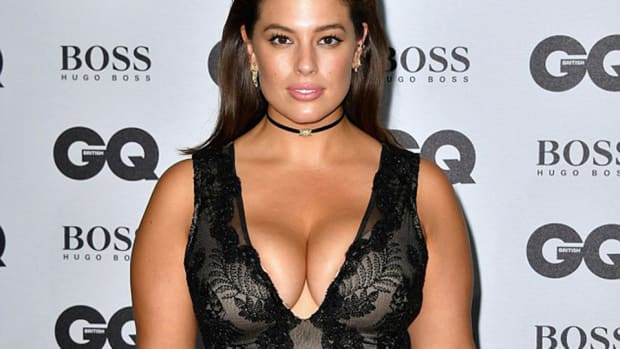 ashley-graham-gq-awards-cleavage.jpg