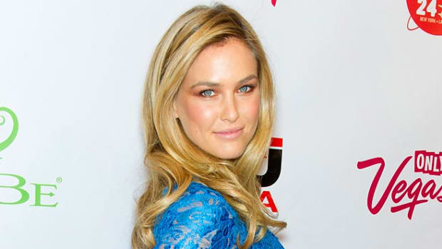 Bar-Refaeli.gilbert.carrasquillo.filmagic.jpg