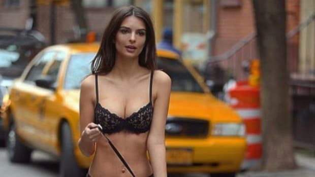 emily-ratajkowski-lingerie-nyc-streets.jpg