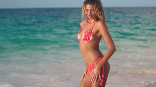 Hailey Clauson Is Stunning Shooting in the sunset in the Bahamas