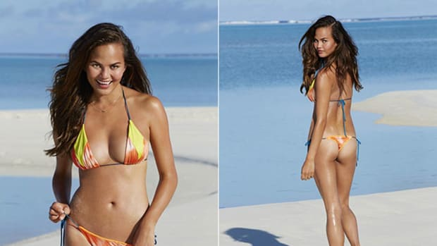 chrissy-teigen-cook-islands2.jpg