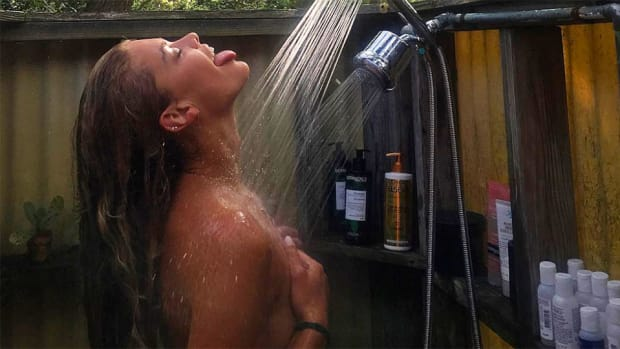 nina-agdal-outdoor-shower.jpg