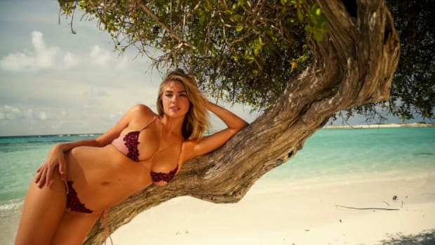 Kate Upton Is the Queen of the Beach