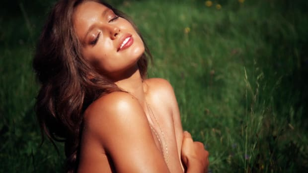 Emily DiDonato Swimsuit video 2014 2157889318001_4707196527001_2847804952001-vs.jpg