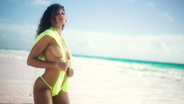 Danielle Herrington Works It In the Bahamas
