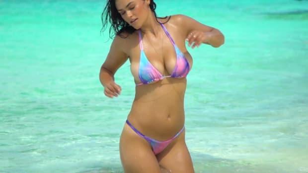 Myla Dalbesio SI Swimsuit 2017
