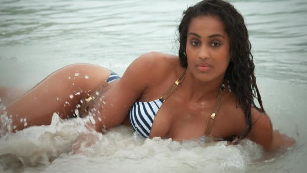 Skylar Diggins Swimsuit video 2014 2157889318001_4707235441001_2943711192001-vs.jpg