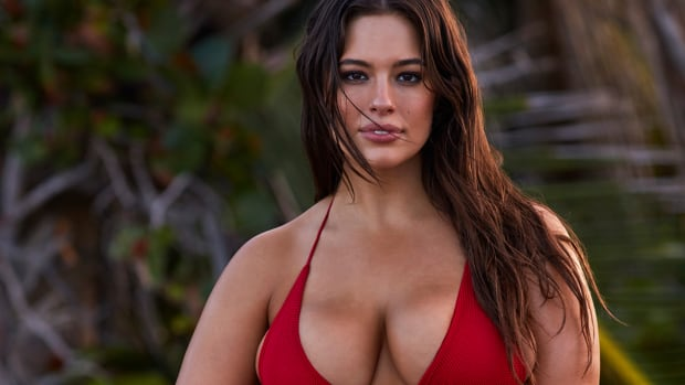 ashley_graham_red.jpg