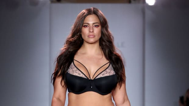 ashley-graham-lingerie-show-1.jpg