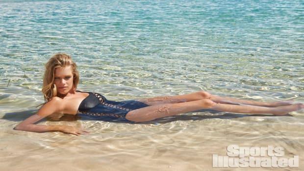Valerie van der Graaf 2014 Swimsuit 29