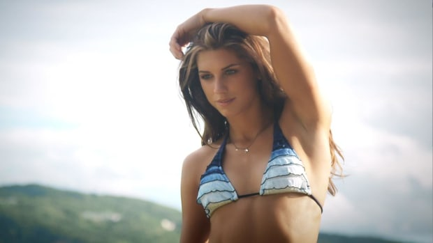 Alex Morgan Swimsuit video 2014 2157889318001_4707236092001_2943711190001-vs.jpg