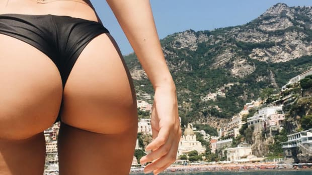 emrata-butt-photo-italy-1.jpg