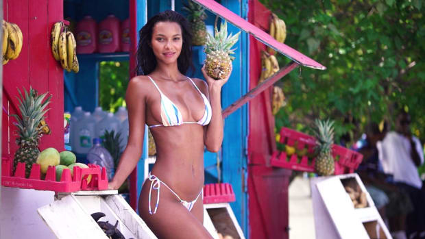 Model Lais Ribeiro Knows How To Have Fun on a Shoot