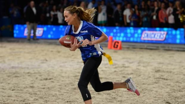 hannah-davis-beach-football.jpg