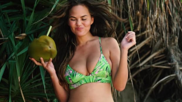 Chrissy Teigen Outtakes SI Swimsuit 2017