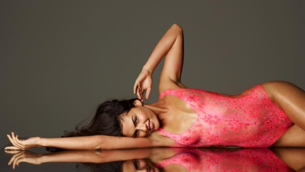 alyssa-miller-body-paint-2011-lede.jpg