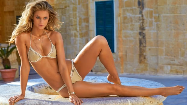 kate-bock-2016-photo-sports-illustrated-x159794_tk5_14271-rawwmfinal1920.jpg