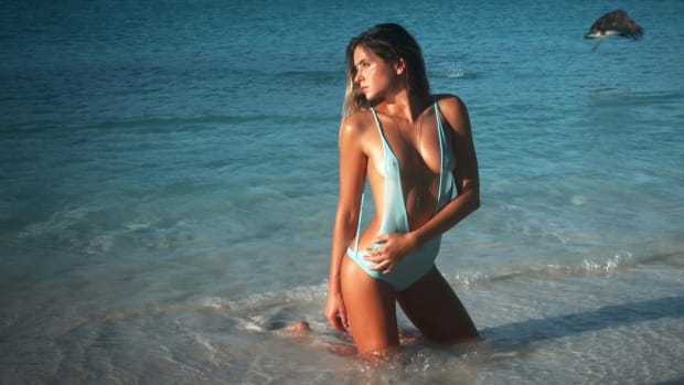 Anastasia Ashley Swimsuit video 2014 2157889318001_4707235393001_2943684149001-vs.jpg