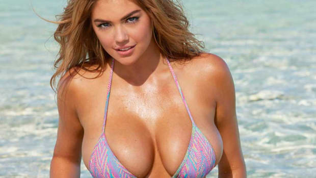 kate-upton-lubes-up-lead.jpg