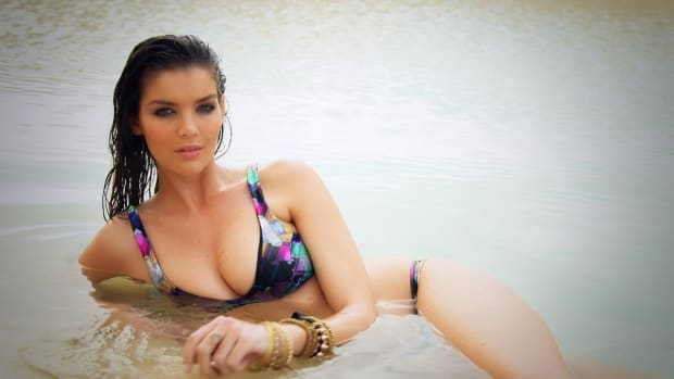 Natasha Barnard Swimsuit video 2014 2157889318001_4707192018001_2847785835001-vs.jpg