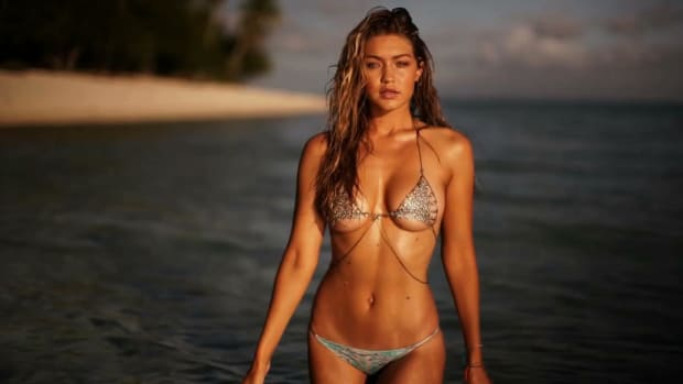 Fill in the Dots with SI Swimsuit Model Gigi Hadid IMAGE