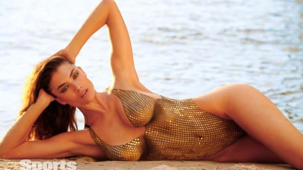 Lauren Mellor 2014 swimsuit body paint 18