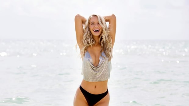 Olivia Jordan finds out she will be in the SI Swimsuit 2018 issue