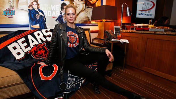 erin-heatherton-nfl-game.jpg