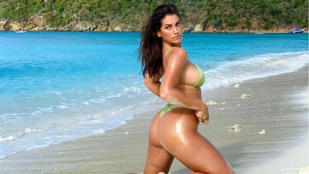 Lorena Duran is a 2020 SI Swimsuit rookie!