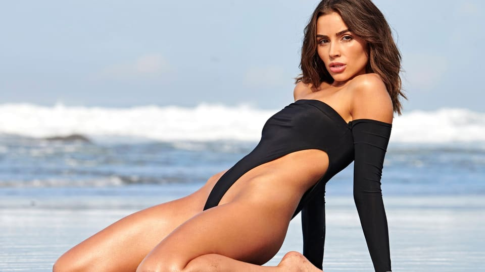 In the Kitchen With SI Swimsuit: Olivia Culpo's Honey Butter Cake