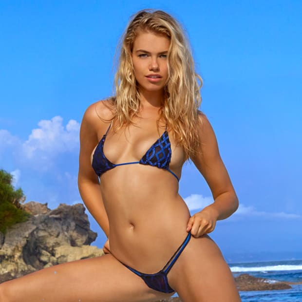 Hailey Clauson Hero