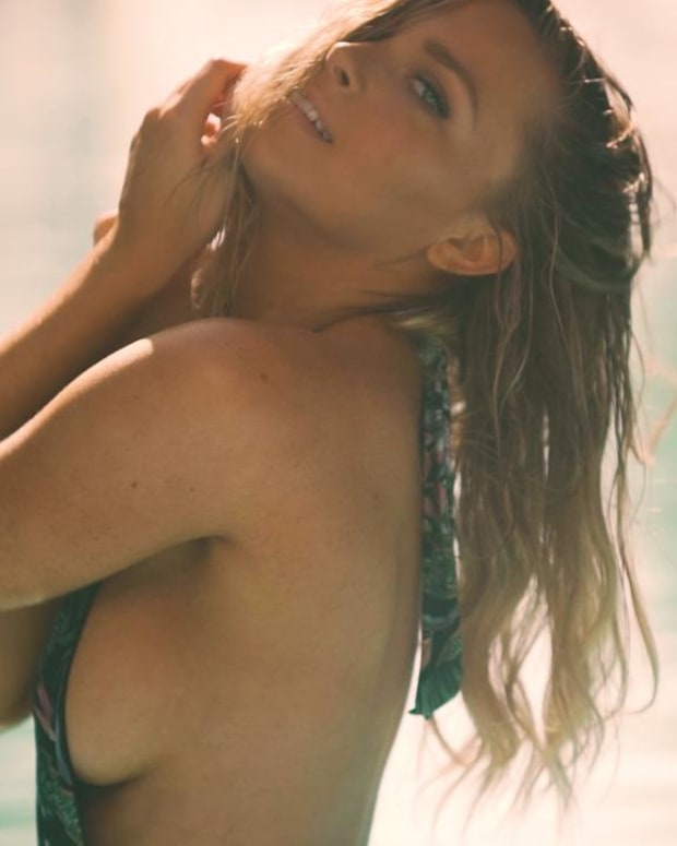 Camille Kostek, Top 15 SI Swimsuit Open Casting Call