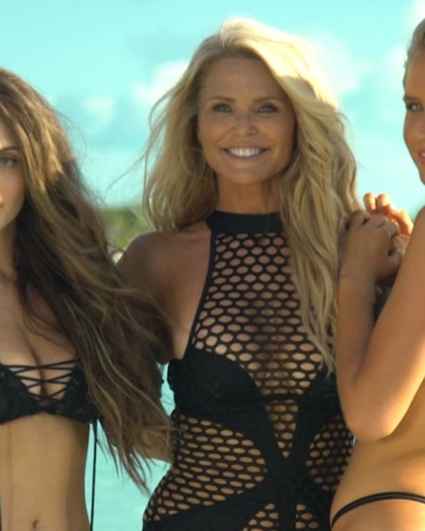 Christie Brinkley SI Swimsuit 2017