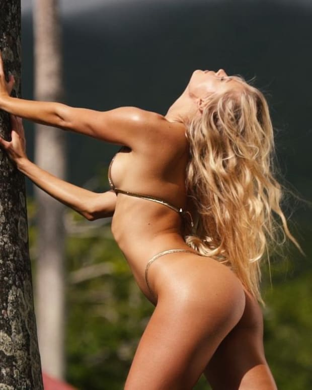 Vita Sidorkina gets up close and personal on set