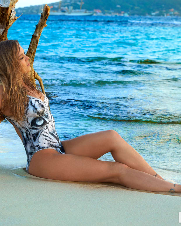 Ronda Rousey 2016 web X160010_TK3_02612-rawWMFinal1920.jpg