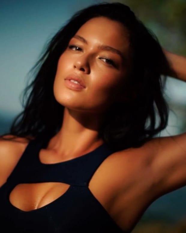 SI Swimsuit 2016 Model Search Winner: Mia Kang -- IMAGE