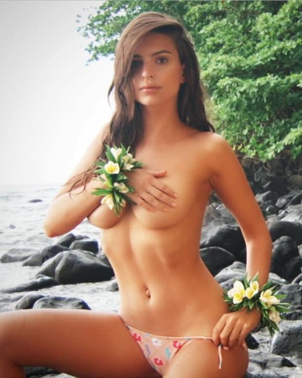 Emily Ratajkowski Swimsuit video 2015 2157889318001_4707294338001_3850894643001-vs.jpg