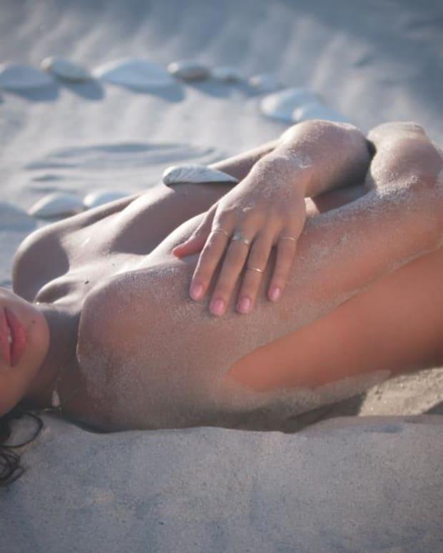 Sara Sampaio Swimsuit video 2014 2157889318001_4707199347001_2847804963001-vs.jpg