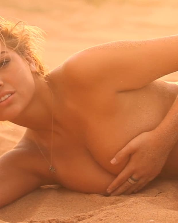 Kate Upton SI Swimsuit 2012 (image)