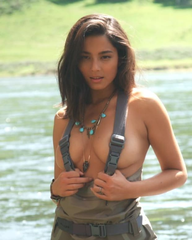 Jessica Gomes Swimsuit video 2015 2157889318001_4707274203001_3850910966001-vs.jpg