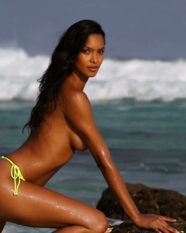 We Can't Get Enough of the Gorgeous Lais Ribeiro