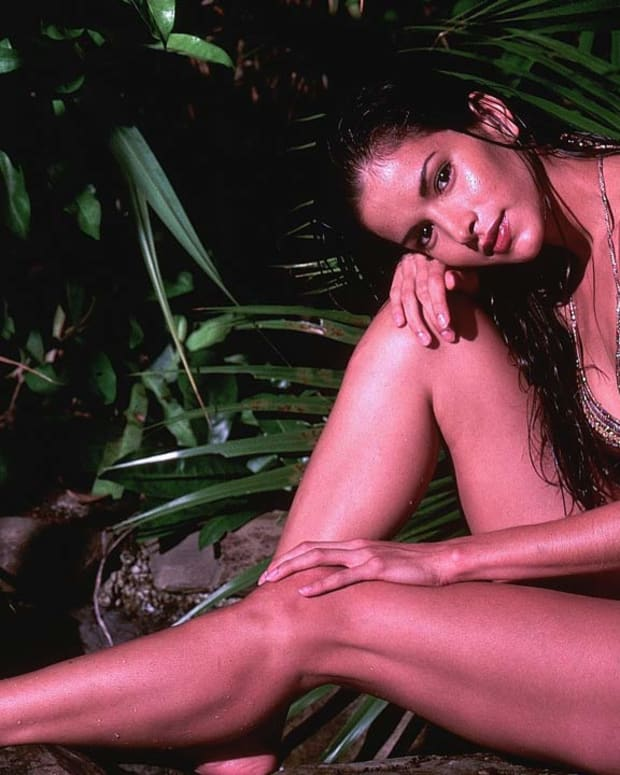 Swimsuit Model Patricia Velasquez (image)