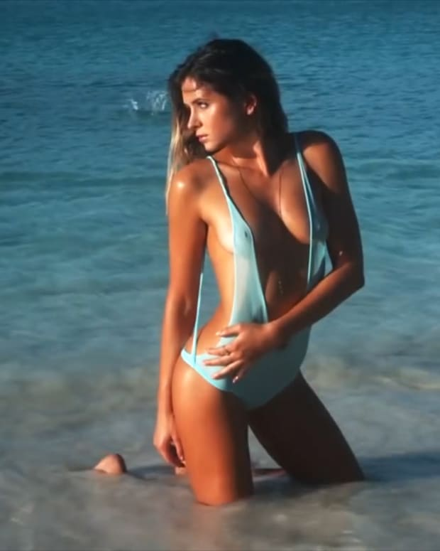 Anastasia Ashley SI Swimsuit 2014 (image)