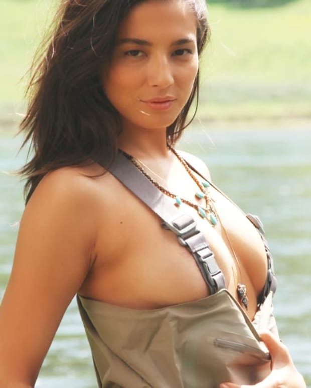 Jessica Gomes Swimsuit video 2015 2157889318001_4707287612001_3850894641001-vs.jpg