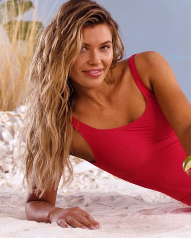 Samantha Hoopes x Stoli, SI Swimsuit