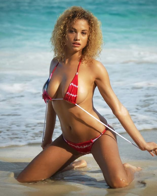 rose bertram, Sports Illustrated Swimsuit 2015 Rookie, Sports Illustrated Swimsuit 2015, hot, sexy, beautiful, Girls having fun, model, Swimsuit, Topless (image)